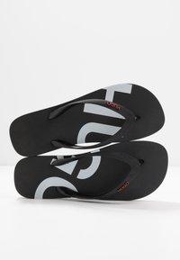 HUGO - ONFIRE - Pool shoes - black - 5