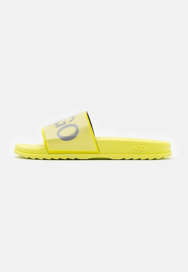 MATCH - Mules - bright yellow