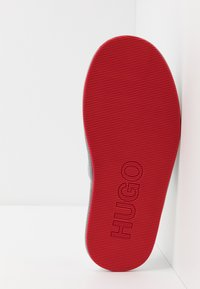 HUGO - COZY SLIP - Slippers - light/pastel grey - 4