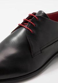 HUGO - APPEAL - Stringate eleganti - black - 6