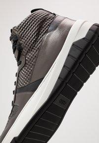 HUGO - MADISON - Sneakersy wysokie - dark grey - 5