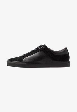 FUTURISM - Sneakers - black