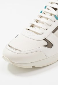 HUGO - HYBRID RUNN - Sneakers - open white - 5