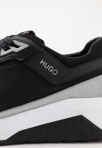 HUGO - ATOM RUNN - Sneakers basse - black - 5