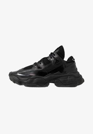 ATOMIC RUNN BOMS - Sneakers - black