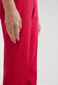 HUGO - HARILE - Spodnie materiałowe - open red - 4