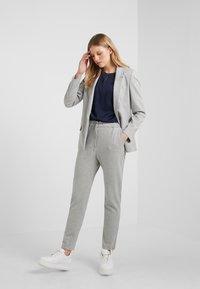 HUGO - HOLANI - Pantaloni sportivi - medium grey - 1