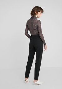 HUGO - HANETTE - Kalhoty - black - 2