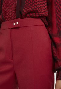 HUGO - HELINES - Trousers - open red - 5