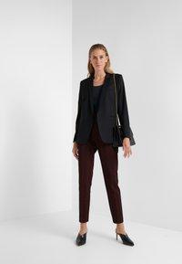 HUGO - HANETTE - Spodnie materiałowe - open red - 1