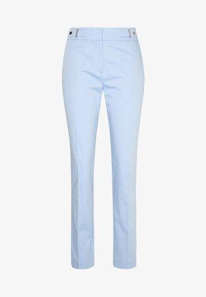 HALONI - Chino kalhoty - light/pastel blue