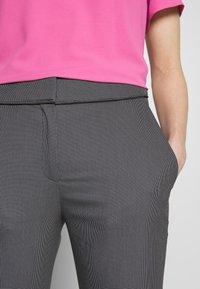 HUGO - THE CROPPED TROUSERS - Pantaloni - black - 4
