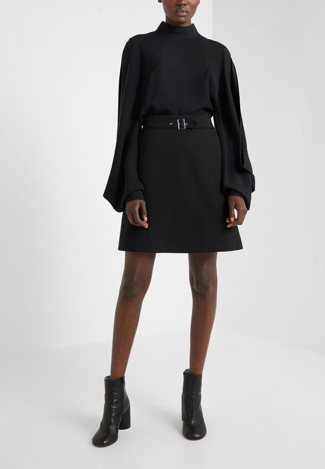 RIMENAS - Áčková sukně - black