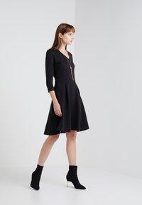 HUGO - DICENIA - Strikket kjole - black - 1