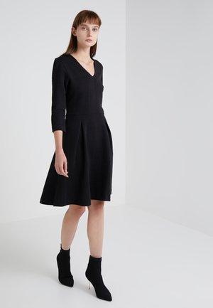 DICENIA - Strikket kjole - black