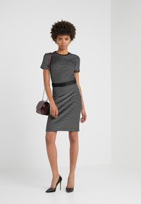 HUGO - NIFANA  - Pouzdrové šaty - black/white - 1