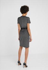 HUGO - NIFANA  - Pouzdrové šaty - black/white - 2