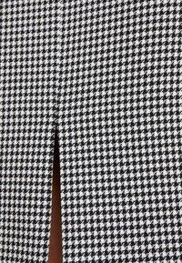 HUGO - KADIA - Pouzdrové šaty - natural - 6