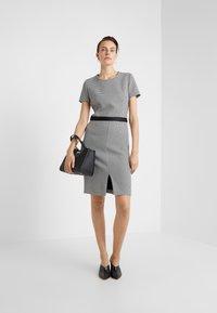 HUGO - KADIA - Pouzdrové šaty - natural - 1