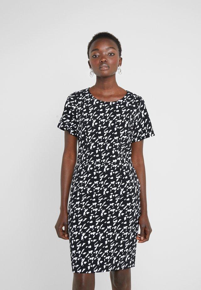 KAJESSI - Vestido informal - black/white