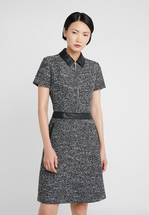 KAGETTA - Pouzdrové šaty - black