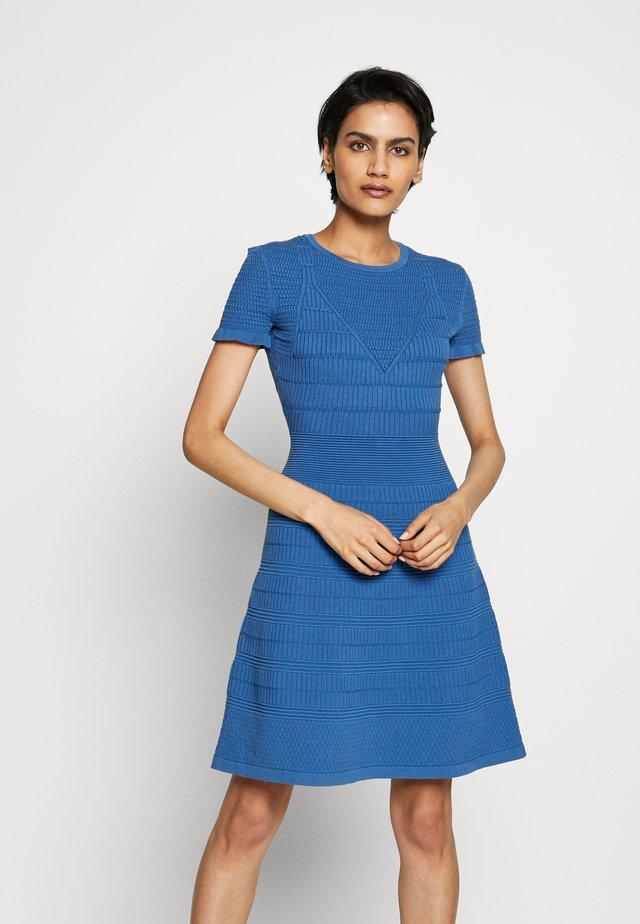 SATORINY - Vestido de punto - bright blue