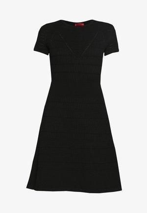 SATORINY - Pletené šaty - black