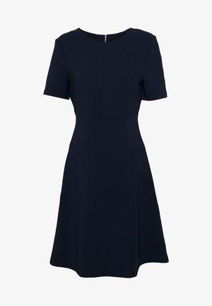 NAREI - Žerzejové šaty - open blue