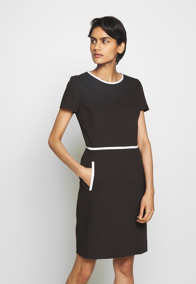 KIDANI - Vestido de tubo - black