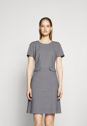 KORINI - Pouzdrové šaty - open blue