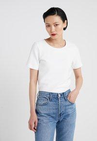 HUGO - DOANA - T-shirts med print - natural - 0
