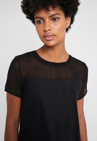 HUGO - DIKERI - T-shirt print - black - 5