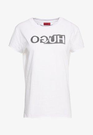 DIJALA - Print T-shirt - white