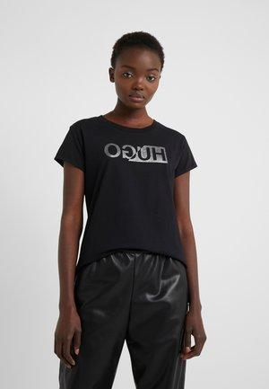 DIJALA - Camiseta estampada - black