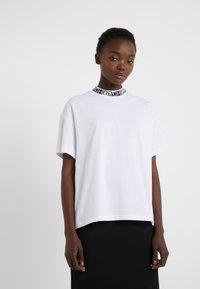 HUGO - DORENE - Camiseta estampada - white - 0