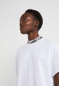 HUGO - DORENE - Camiseta estampada - white - 4
