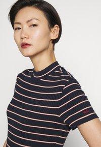 HUGO - DAROLINE - Print T-shirt - open blue - 4