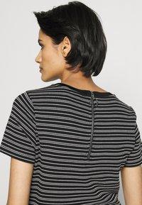 HUGO - DALITAS - Print T-shirt - black - 5