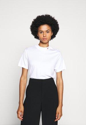DENNILE - T-shirt basic - white