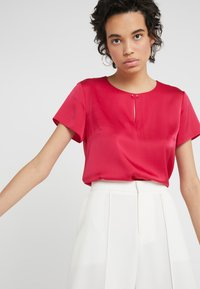 HUGO - CINDIA - Blouse - open red - 3