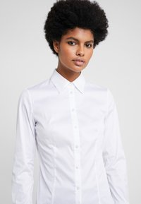 HUGO - THE FITTED - Skjorte - white - 3