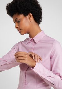 HUGO - THE FITTED SHIRT - Button-down blouse - open red - 4