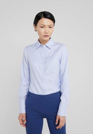 THE FITTED SHIRT - Hemdbluse - light pastel blue