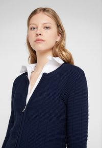 HUGO - SANDREY - Vest - open blue - 3