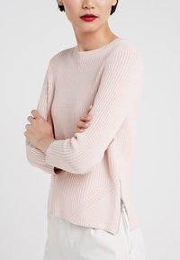 HUGO - SITINARA - Sweter - open pink - 4
