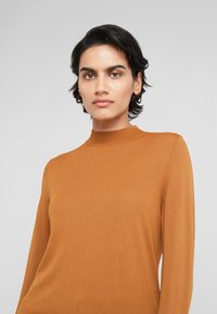 HUGO - SOTARY - Jumper - dark beige - 4
