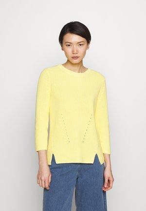 SERLINA - Strikkegenser - light/pastel yellow