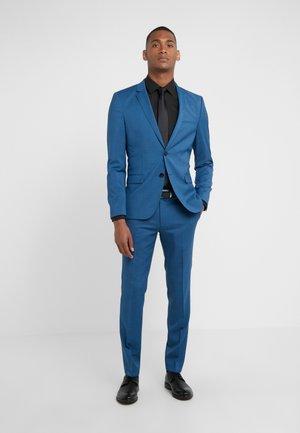 ARTI HESTEN - Oblek - medium blue