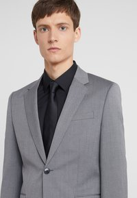 HUGO - ASTIAN HETS - Suit - medium grey - 9