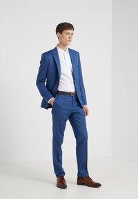 HUGO - ASTIAN HETS - Completo - medium blue - 1